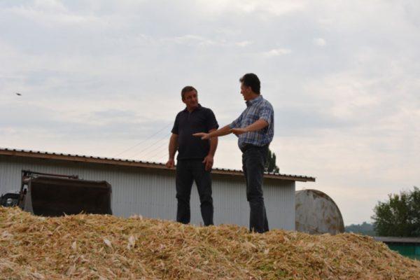 Peste 50 de fermieri din 7 localități instruiți in domeniul producerii silozului.