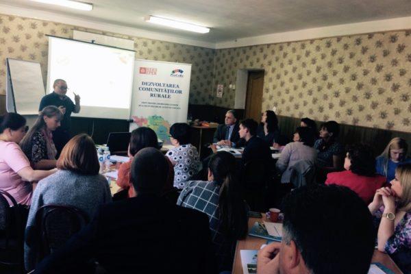 (Română) Seminar de formare a capacităţilor pentru ONG-uri din Nordul Moldovei