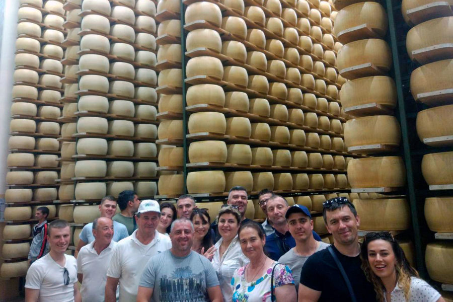 (Română) Producătorii de lapte din Moldova au studiat experiența Italiei.