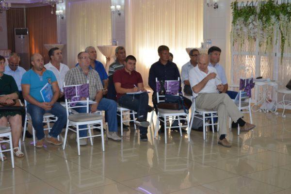 Seminar de instruire privind Tehnologiile de creștere a taurinelor, aspecte de sănătate și hrană.