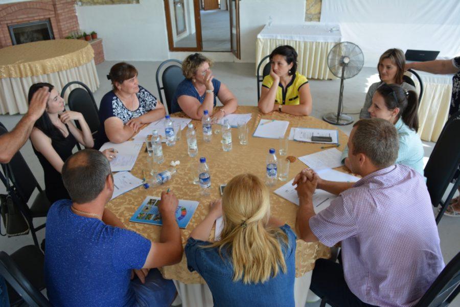 (Română) AO Pro Cooperare Regională a inițiat o platformă de dialog dintre societatea civilă și producătorii de lapte pentru stimularea înființării și sprijinirea formelor asociative din sectorul de lapte