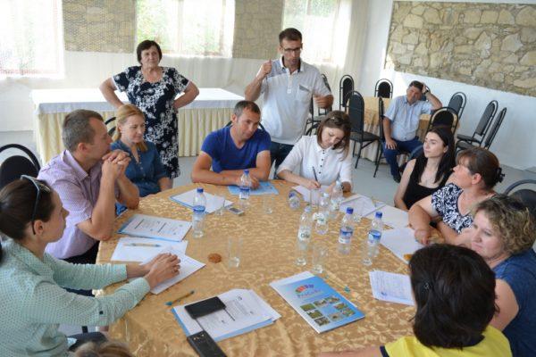 (Română) Platformă de dialog pentru sprijinirea formelor asociative din sectorul de lapte