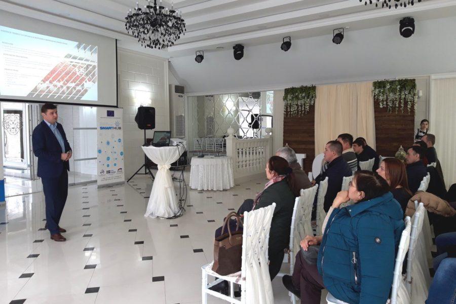 (Română) Producătorii agricoli interesați de programele MAC-P și IFAD
