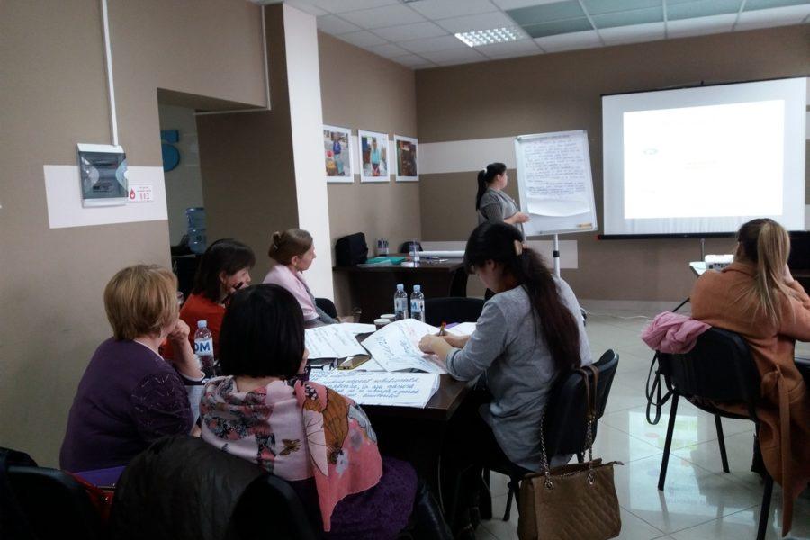 (Română) Seminar de instruire în scriere de proiecte pentru 9 ONG-uri din Regiunea de Nord