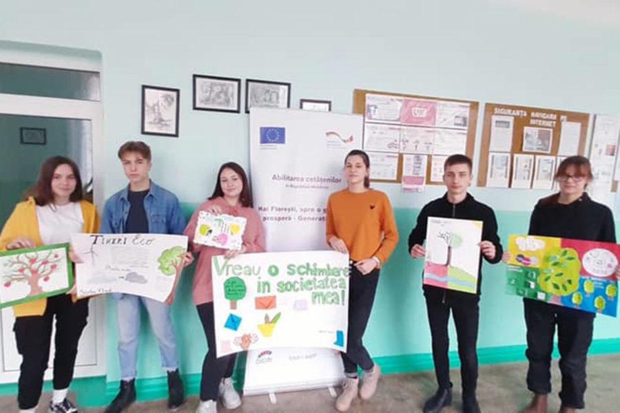 """(Română) Concurs de postere ,,Oferă-te voluntar ECO – Schimbă ceva!"""" – Floresti"""