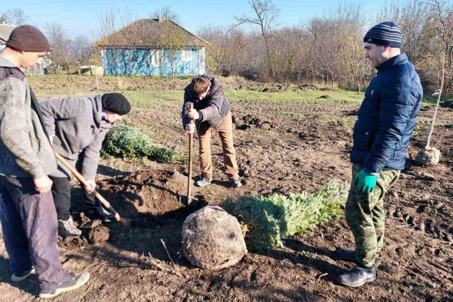(Română) Un vechi nou loc de odihna pentru locuitorii din Băxani