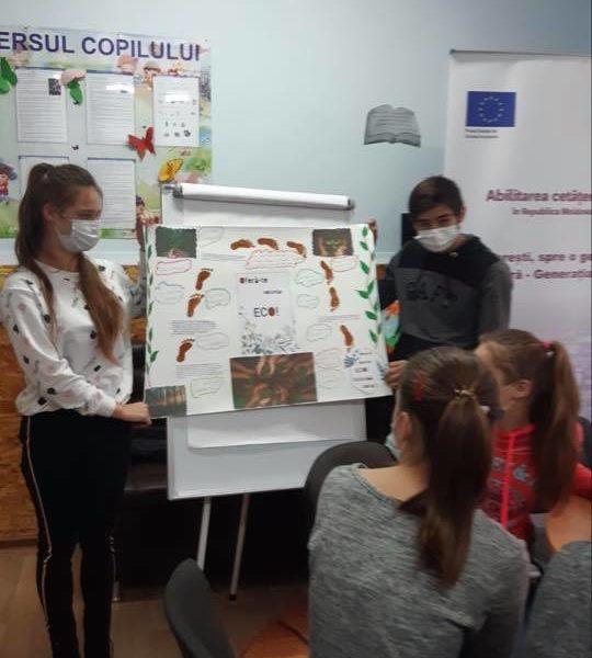 """(Română) Concurs de postere """"Oferă-te voluntar ECO – Schimbă ceva!"""" – Gimnaziul Gura Căinarului"""