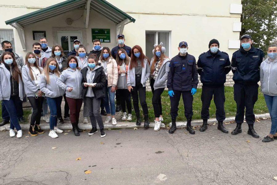 Voluntarii Gărzii Verzi vă doresc să aveți un mediu curat și sănătate de neclintit!